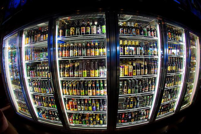 World Beer Tour Winking Lizard