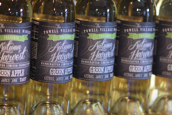 Powell village winery autumn harvest green apple